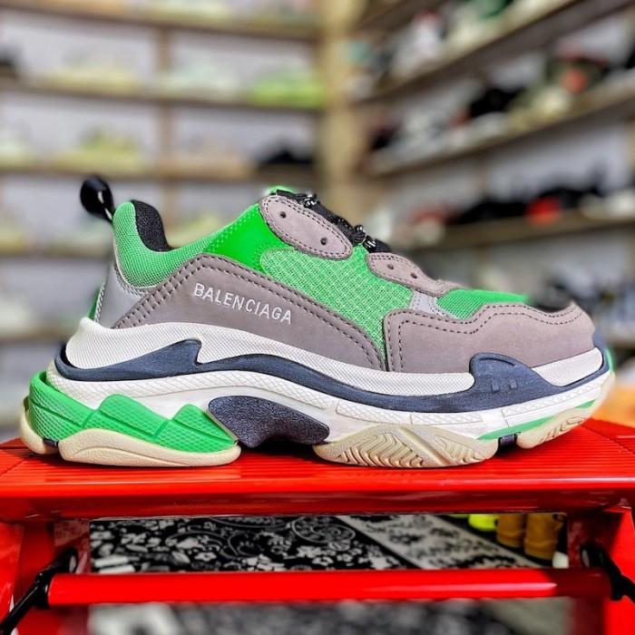 Balenciaga Triple S Sneaker Green / Grey
