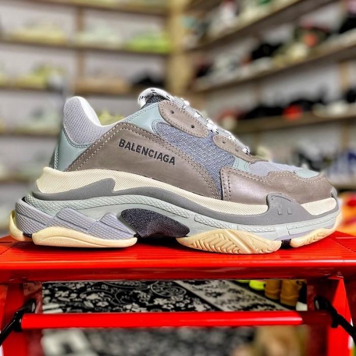 Balenciaga Triple S Sneaker Dark Grey