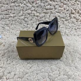 Replica Gucci logo sunglasses